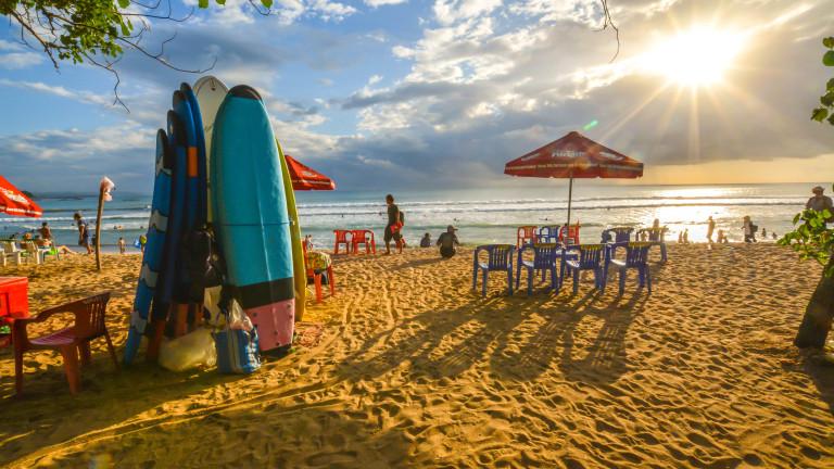 Плажът и сърфовете винаги са наблизо.