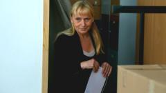 Елена Йончева и Радан Кънев с общо искане - ЕП да обсъди кризата в България
