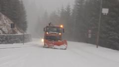 560 машини чистят снега по пътищата у нас