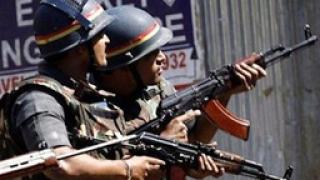 Индия в тревога, готви се за нападения