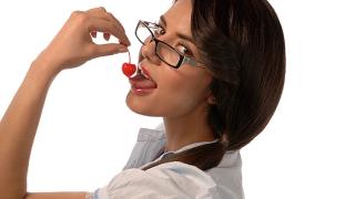 Как да съблазняваме чрез правилно използване на езика на тялото