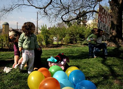 Протест пред СО заради липсата на места в детските градини