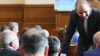 Парламентът върна процедурата по избор на нови изтребители