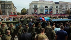 """Над 100 хил. опечалени изпратиха Захарченко като """"герой"""""""