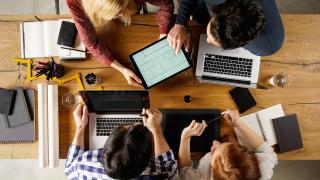 Над 20 000 студенти практикуват в реална работна среда