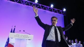 Франция може да последва съдбата на Гърция, предупреди Фийон в Корсика