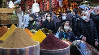 Турция с около 56 000 новозаразени, почти половината в Истанбул