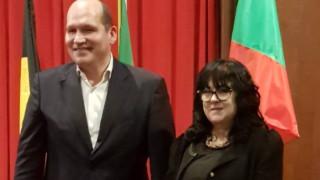 С песни и танци българският трибагреник се развя в брюкселското кметство