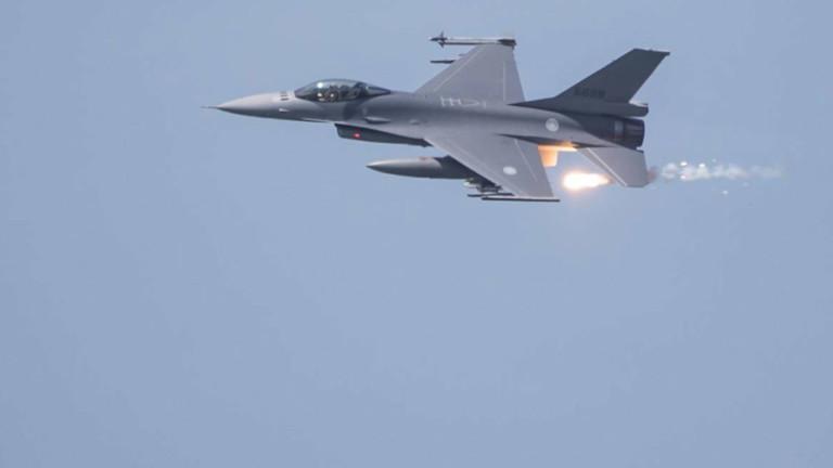 20 бомбардировача и изтребители на Китай стреснаха Тайван