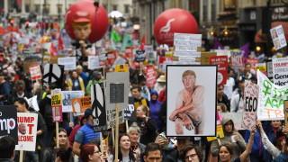 Протести на втория ден от държавната визита на Тръмп на Острова