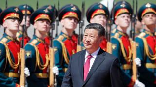"""Си Дзинпин очаква """"стратегическо сътрудничество през новата ера"""" с Русия"""