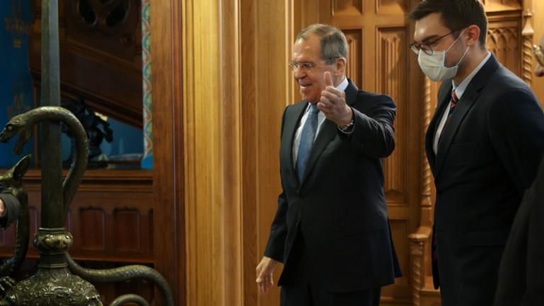 Лавров: Русия и Турция търсят решение на кризата в Либия
