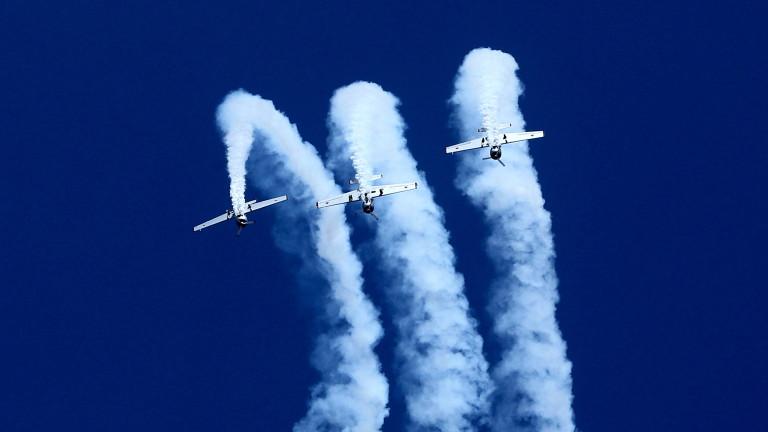Снимка: Два военни самолета се сблъскаха в Индия