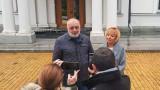 НС не е трибунал, сградата на съда е на друго място, напомни Манолова на Борисов