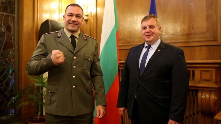 Повишиха Кубрат Пулев от сержант в лейтенант - Topsport.bg