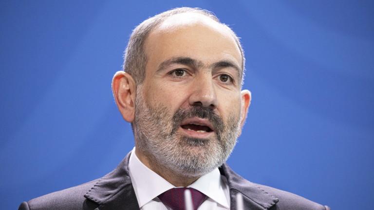 Пашинян и Алиев са готови да преговарят, но никой не отстъпва от позицията си