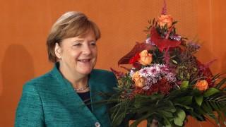 Меркел поиска от консерваторите компромис на коалиционните преговори