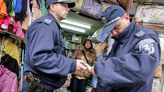 """Общинска полиция """"респектира"""" Женския пазар"""