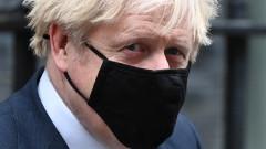 Борис Джонсън губи мнозинството си при избори днес