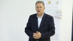 Кацаров чака мнението и на юристи за новите мерки