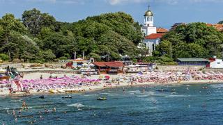 Стотици данъчни инспектори проверяват Черноморието