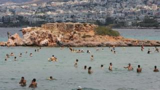 Туристите спасяват Гърция