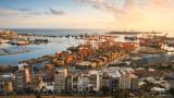 Инвестират €800 000 000 в Пирея, за да я направят третото най-голямо пристанище в Европа