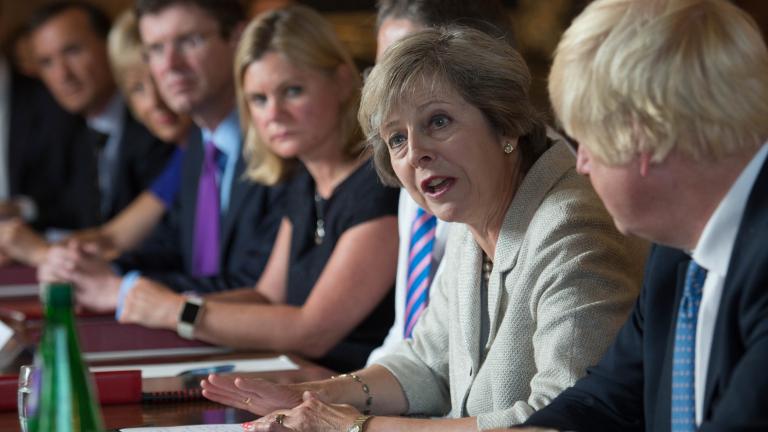 Няма да има опити за оставане в ЕС през задната врата, отсече Тереза Мей