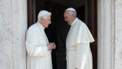 Спор около ролята на папа Бенедикт XVI в противоречива книга