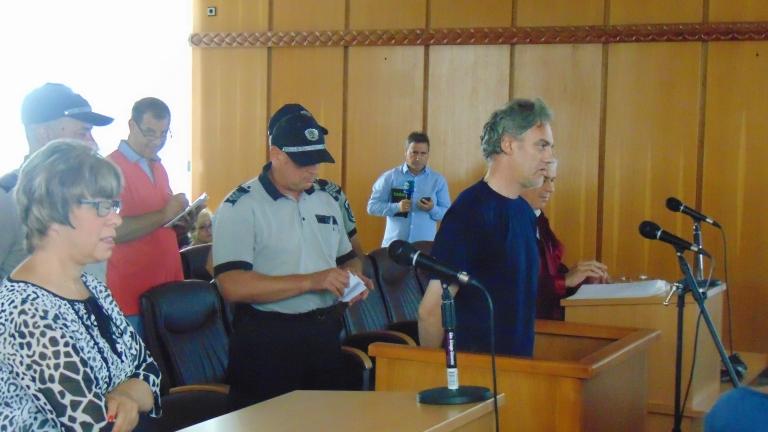 Постоянен арест за клошаря, обвинен за пожара в тютюневите складове