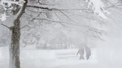 Сериозен снеговалеж затвори 3 китайски летища и причини закъснения в 9 други