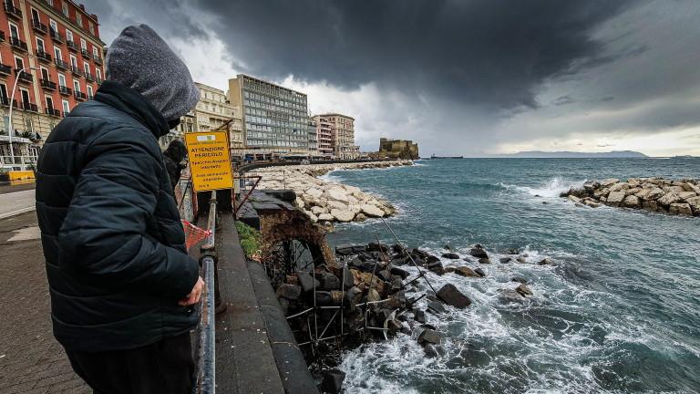 Италия със спад на починали и ръст на COVID новозаразени