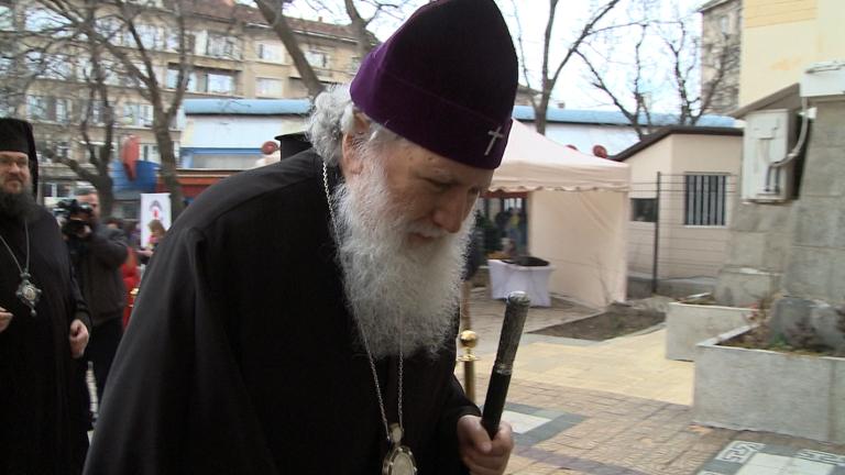 Патриарх Неофит се чувства добре. Състоянието му е стабилно. Това