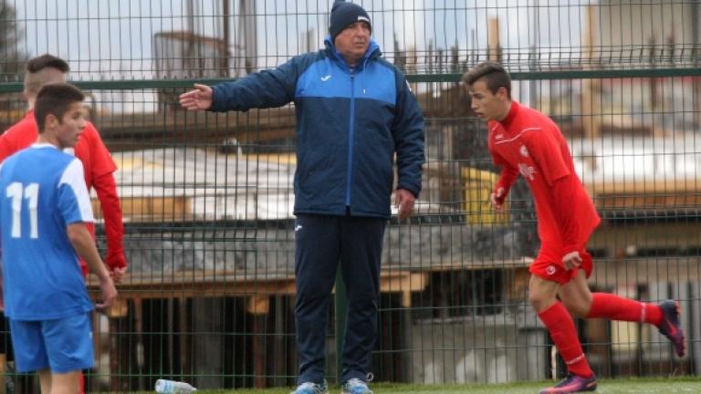Един от опитните треньори в школата на Левски - Георги