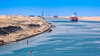 Суецкият канал донесе рекордни приходи на Египет