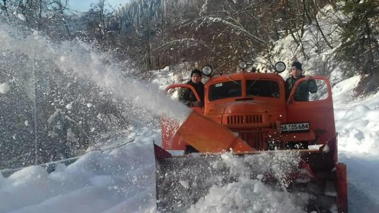Военните почистили 270 километра пътища в Смолянско