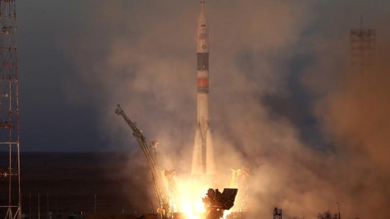 """""""Союз МС-11"""" се скачи с МКС"""