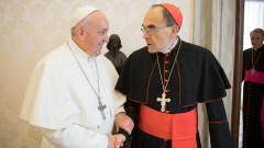 Папата не прие оставката на кардинал, осъден за укриване на педофилия
