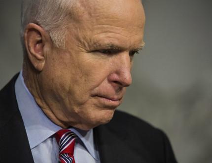 Джон Маккейн: САЩ да въоръжат Украйна