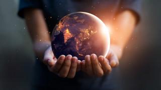 Amazon купува Кипър и други шокиращи прогнози на Saxo Bank за 2021-а