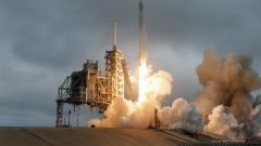 SpaceX успешно изпрати телекомуникационен сателит в орбита