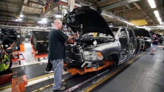 Заради реформата на Тръмп: Автомобилен гигант дава по $2000 бонус на служителите си