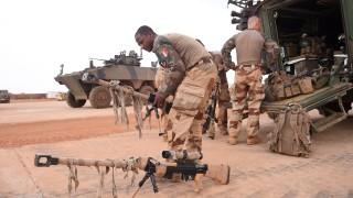 Франция бори джихадизма в Африка с допълнителни 600 военни