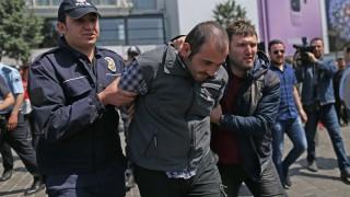 Турция закопча 150 военнослужещи заради връзки с Гюлен