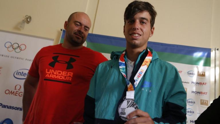 Българския тенисист Адриан Андреев, който спечели сребърен медал на двойки