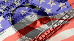 Доларът пада спрямо еврото и паунда с напредъка по стимулите в САЩ