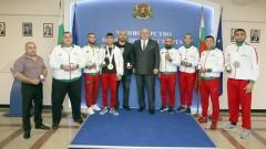 Министър Красен Кралев награди медалистите от Европейското първенство по ММА