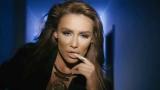 Моника Валериева записа песен, кани се да отвее колежките от поп фолка