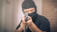 Двама маскирани обраха с пистолет казино във Врачанско
