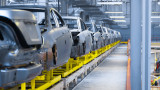 Автомобилните производители ще изгубят още $210 милиарда заради кризата с чипове